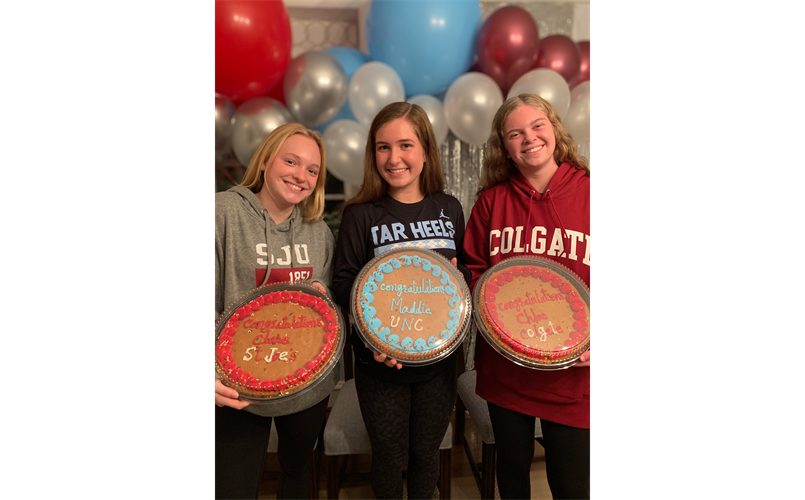 Signing Day Fall 2020: It's Colgate for Chloe!