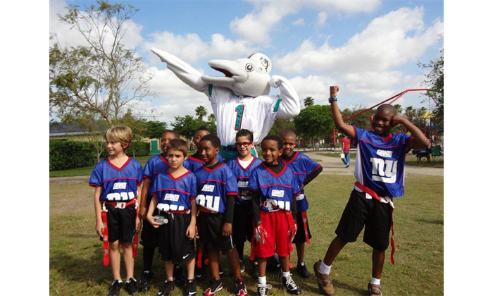 Even the Miami Dolphins Mascot TD, Comes out to Support!